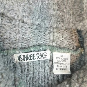 Us Three Sweaters - Chunky Cable Knit Gray Wooden Button Up Sweater